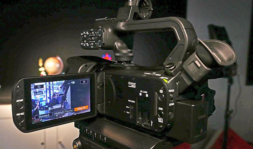 noleggio attrezzatura video-canon-xa35